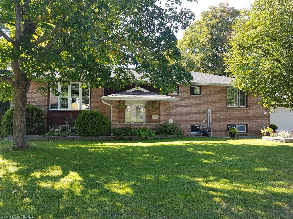 29 carriage crescent, North Bay Ontario, Canada